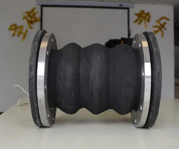 缠绕式可曲挠橡胶接头